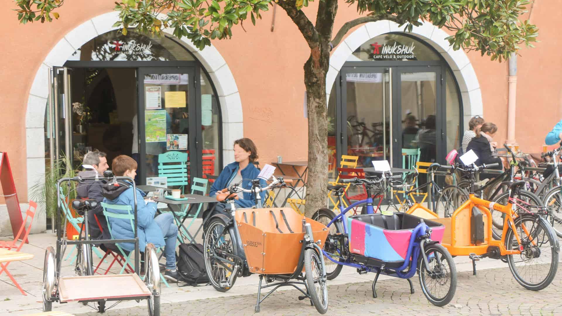 Inukshuk café vélo Chambéry