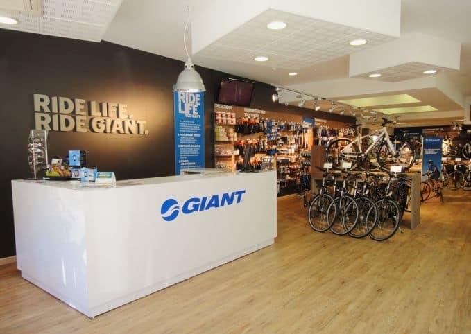 Techniciens cycles vendeurs Giant Store Ambérieu-en-Bugey