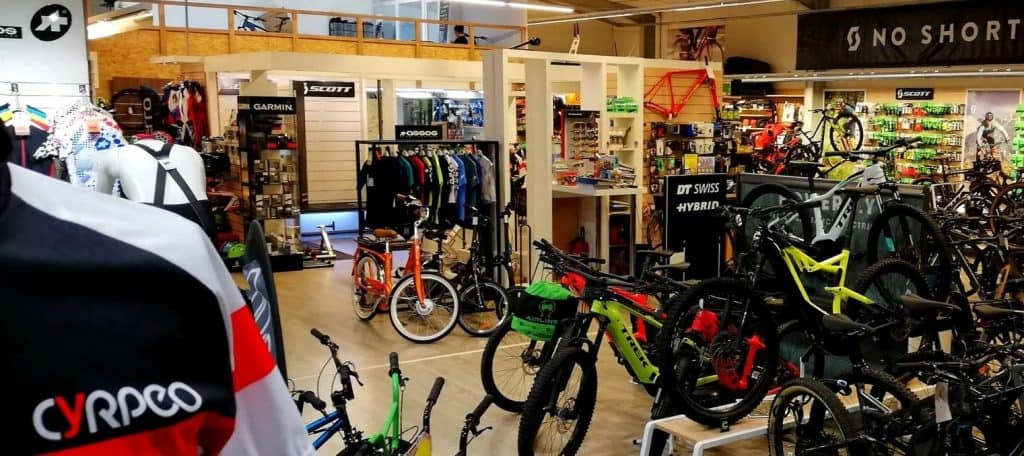 Vendeur cycle et accessoires Cyrpeo