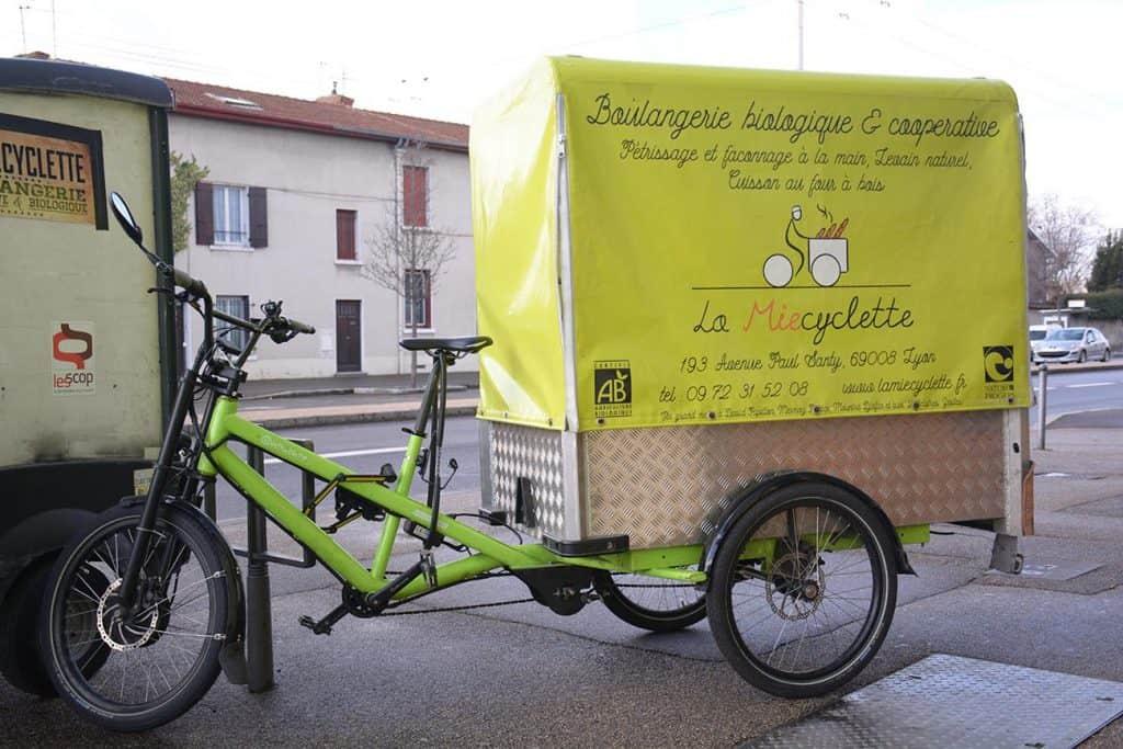 Référent mécano, livreur à vélo, vendeur, co-gestionnaire en boulangerie  La Miecyclette,
