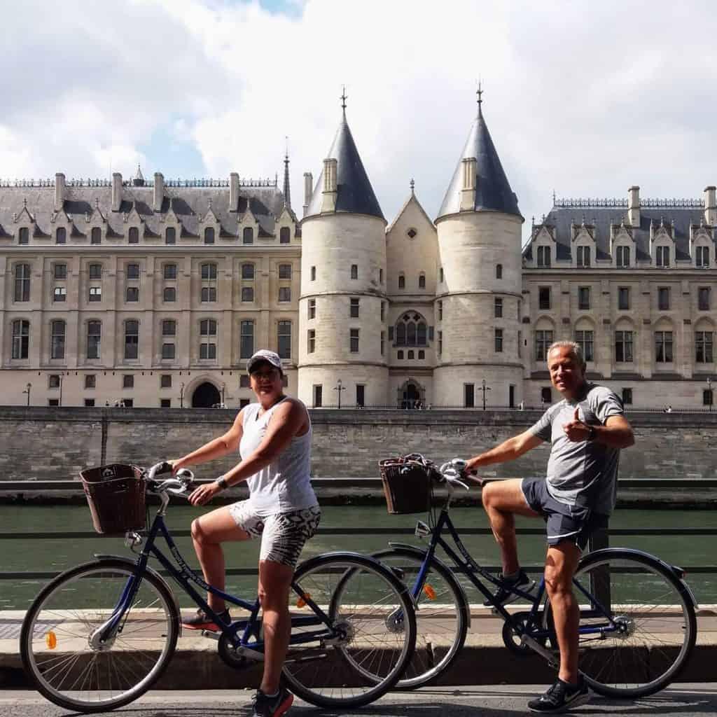 Simply France Tours guide paris vélo