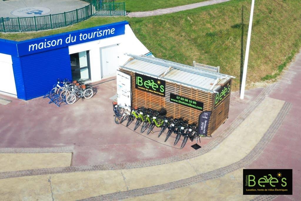 Employé polyvalent location de vélos électriques Stations Bee's Nord Calvados