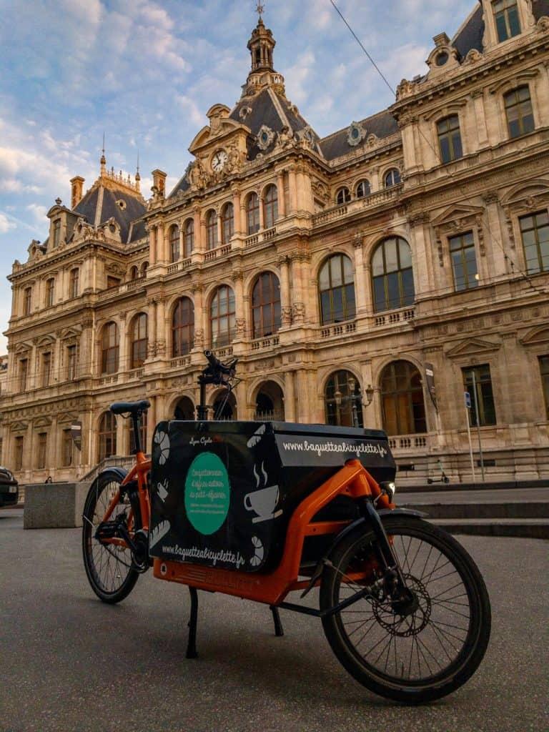 Coursier à vélo Lyon